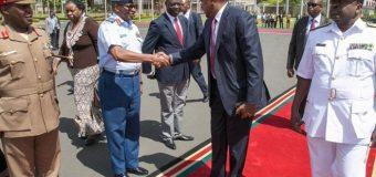 M/weyne Cumar Albashiir iyo Uhuro Kenyatta oo ka wada hadlaya sidii ay uga bixi lahaayeen Maxkamadda Caalamiga ICC.
