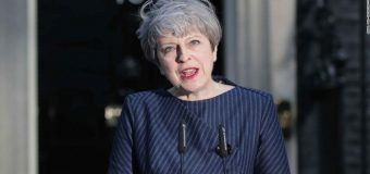 R/W dalka Ingriiska Theresa May oo rabta Doorasho waqtigeedii laga soo hormariyey.