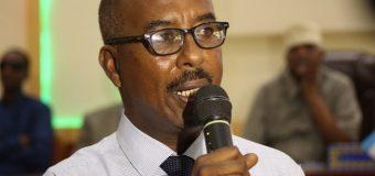 Wasiirka Dastuurka Xosh Jibril oo sheegey in aan Afti Dastuur la qaadi karin somaliland inta ay maqantahey.