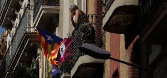 Hugaamiyaha Catalonia oo Dalka Spain uu Waqti kama Danbeys ah u Qabtey Madax banaanidii uu ku dhawaaqey ka Laabashadeeda.