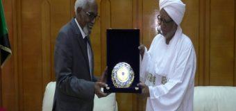 Gudoomiyaha Barlamaanka Dalka Suudaan iyo DHiggiisa Soomaaliya Prof. Jawaari oo Kulan yeeshey.