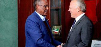 Ergeyga Qaramada Midoobey ee Soomaaliya oo Safar aan Hore loo Shaacin ku Tagey Somaliland lana kulmey Muuse Biixi.