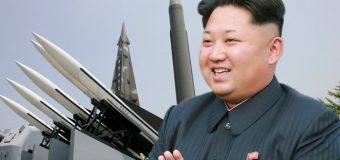 Kim Jong Un Hogaamiyaha Waqooyiga Kuuriya oo Sheegey in Keebka Laga Rido Gantaalaha Hubka Halista ah uu Miiska Saaranyahey.