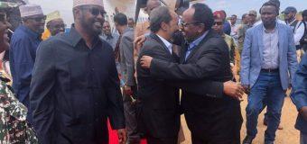 Madaxweynihii Hore Ee Somalia Xasan Sheekh Oo Kulamo Siyaasadeed Ka Wada Kismaayo