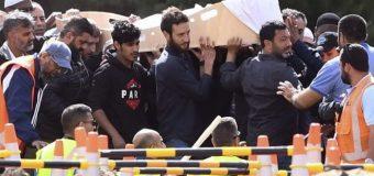 Muslimiintii Lagu Laayey New Zealand oo Qaarkood Maanta La Aasey iyo Dad Kasoo Qayb Galey.