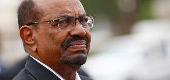 Madaxweynihii Dalka Sudan Cumar Xasan Al-bashiir oo Is Casiley Mudaharaadyo Afar Bilood ah Kadib.